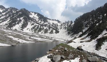 kareri-lake-trekking